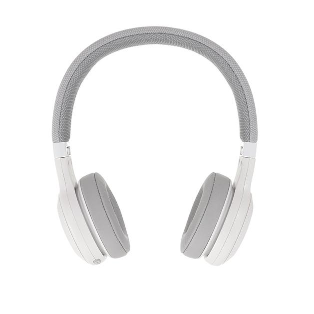 JBL E45BT - White - Wireless on-ear headphones - Detailshot 15